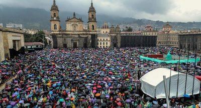Colombianos muestran en las calles su malestar social al Gobierno de Duque