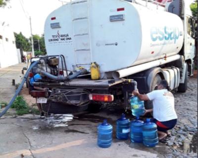 HOY / En siete barrios asuncenos siguen sin agua: Essap enviará otro camión cisterna