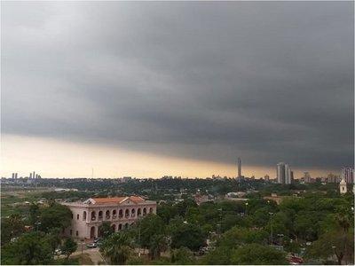 Meteorología emite alerta de tormentas en 8 departamentos
