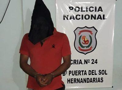 Detienen a hombre con orden de captura por robo