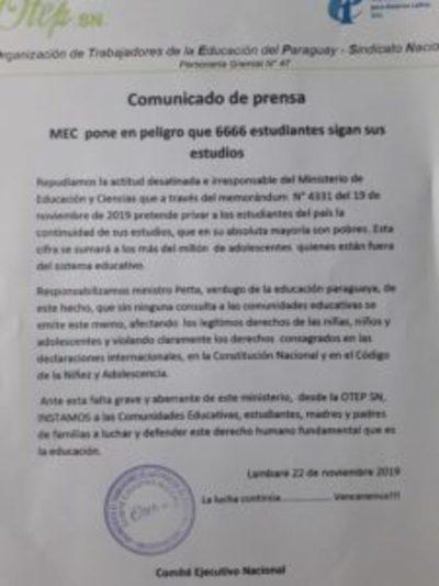 Docentes de la OTEP SN repudian cierre de institutos educativos