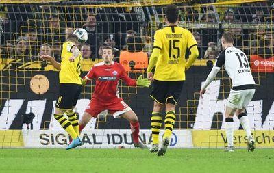 Dortmund remonta tres goles al colista Paderborn