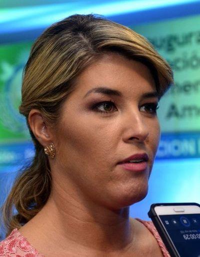 Detienen en Estados Unidos a exdiputada Tarragó, sospechada de lavado