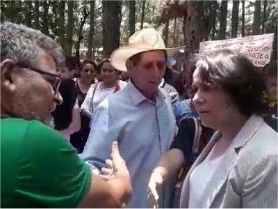 Concejala patriaqueridista agredida por dirigente social en Alto Paraná