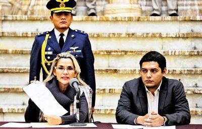 Gobierno interino anuncia diálogo con opositores para frenar crisis en Bolivia