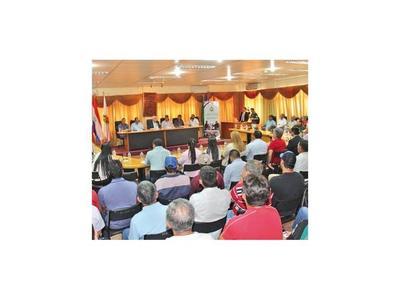 Horticultores dialogan  con el ministro Friedmann en Itapúa