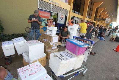 """La Paz tiene hambre y Santa Cruz organiza """"puente aéreo"""" para alimentarla"""