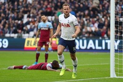 'Mou' debutó en Tottenham con triunfo ante el West Ham de Balbuena