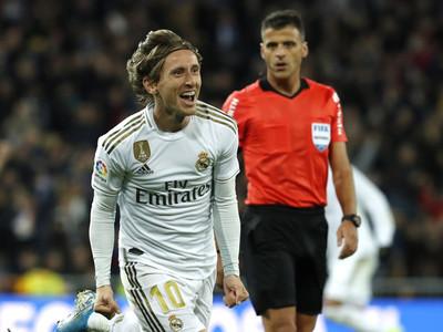 Real Madrid no falla de local y alcanza al Barcelona