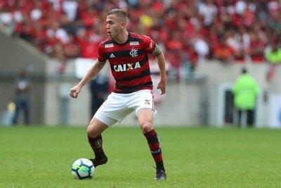 Zapag felicitó a Piris da Motta y habló de un 'gran sueño'