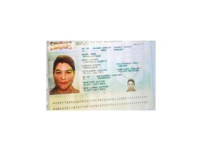 RREE dice que el pasaporte  diplomático estaba anulado
