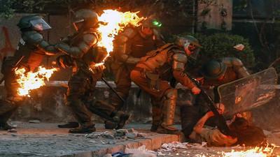 Registran robo a banco e incendios en otra jornada de protestas en Chile