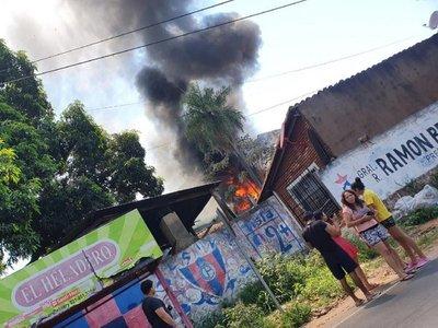 Reportan incendio de un depósito en Lambaré