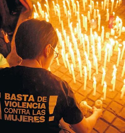 Mujeres marchan hoy contra la violencia