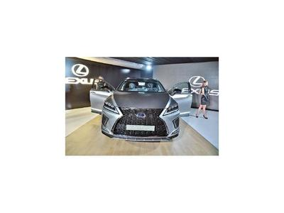 Nuevo Lexus en la Cadam