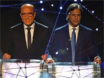 Solo 28.666 votos separan a Lacalle y Martínez en Uruguay