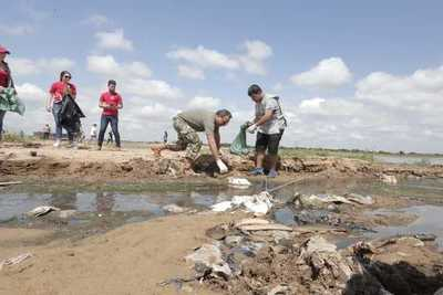 Nueva Jornada de Limpieza de la ribera del rio Paraguay