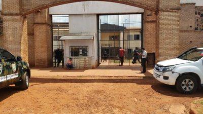 Riña entre reclusos deja saldo de un herido grave