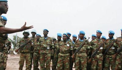 Incendian campo de ONU en RDC tras nueva masacre de civiles