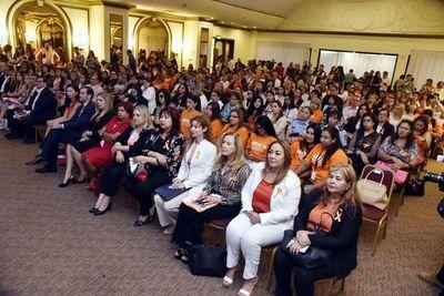 Instan a involucrarse para evitar casos de feminicidios