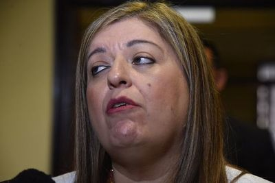 Abogado critica al Ministerio Público por no investigar a Cartes