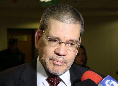"""Barrios: """"No existe nada contundente que pueda afectar a Cartes"""""""