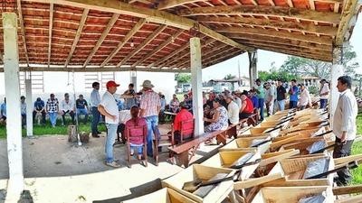 Más de 100 oleros de Pilar recibieron implementos