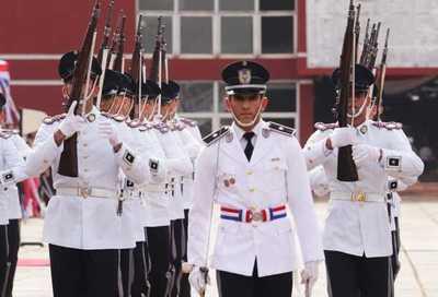 Presidente participó de acto de egreso de 102 nuevos efectivos policiales