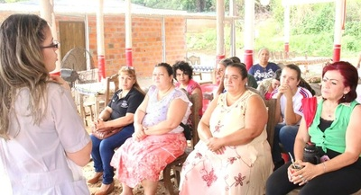 Cocineras de Puerto Remanso acceden a capacitación en alimentos