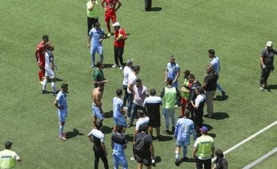 HOY / El fútbol chileno cerraría el año sin culminar su torneo
