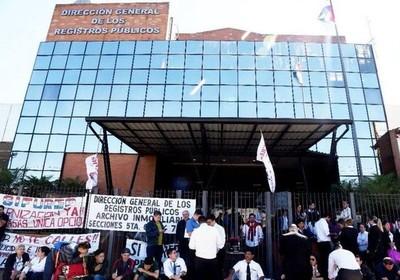 Huelga en Registros Públicos acarrea muchos problemas y afecta al ciudadano, alertan escribanos