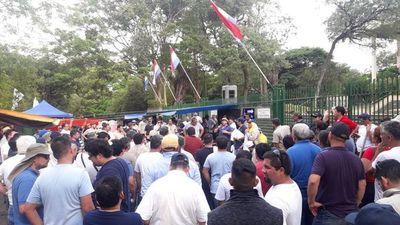 Trabajadores de la ANDE levantan huelga