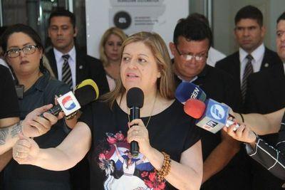 Respaldan gestión de Sandra Quiñónez
