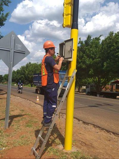 Solucionan el problema del sistema de los semáforos en Horqueta