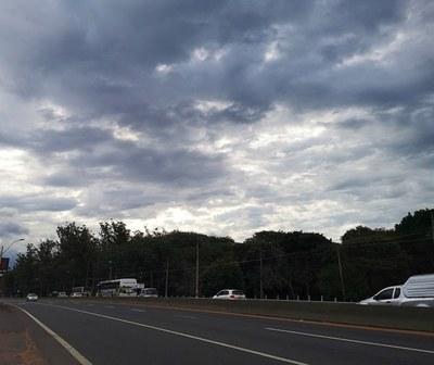 Precipitaciones en las primeras horas, luego mejorando