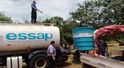 Essap lleva agua potable a vecinos de Loma Merlo •