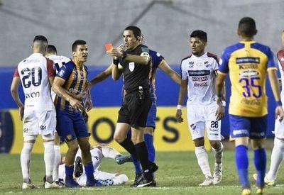 APF sancionó a futbolistas expulsados •