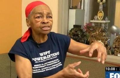 Mujer de 82 años que practica levantamiento de pesas envió al hospital a ladrón que entró a su hogar