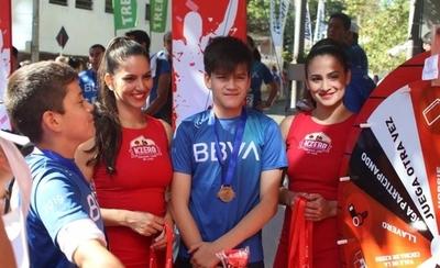 HOY / KZero corre en la 7ª Marea Azul de BBVA Paraguay