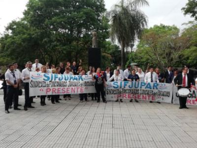Huelga de funcionarios judiciales continúa hasta que se firme el acuerdo con la Corte