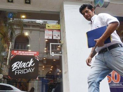 Comercios  viven hoy  previa del Black Friday Paraguay