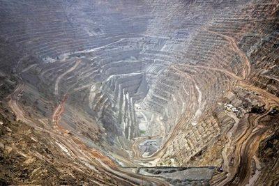 Crisis destronaría a productor de cobre