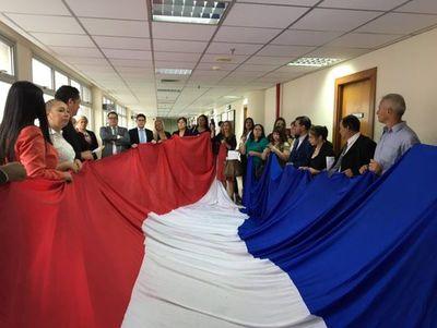 """Abogados califican de """"complaciente"""" a Corte Suprema ante huelga judicial"""