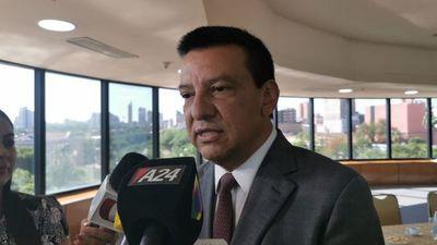 Romero Roa pide expulsión de Tarragó de la ANR, pero calla en el caso Quintana