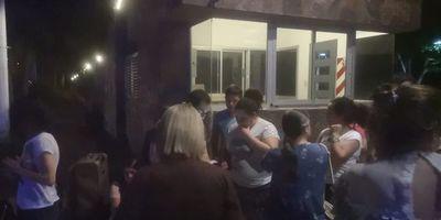 Paraguayos piden reembolso a hotel argentino al que acusan de maltratos y xenofobia
