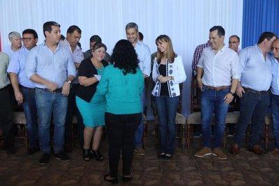 Gobierno entregó certificados de curso de capacitación en Caazapá