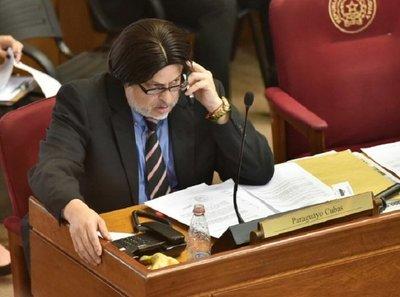 Paraguayo Cubas deja de ser Senador Nacional