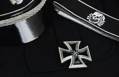 Alemania debió pedir disculpas tras referirse al uniforme nazi como 'moda retro'