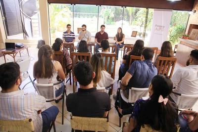 Paraguay Apo abrió convocatoria para becas