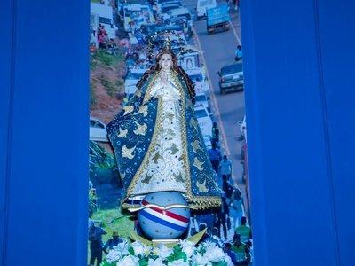 La Virgencita tiene sus joyas de oro en un  banco